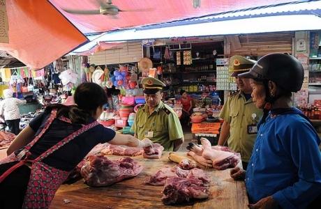 Kiểm soát chặt thị trường thực phẩm trong dịp Tết Dương lịch và Nguyên đán