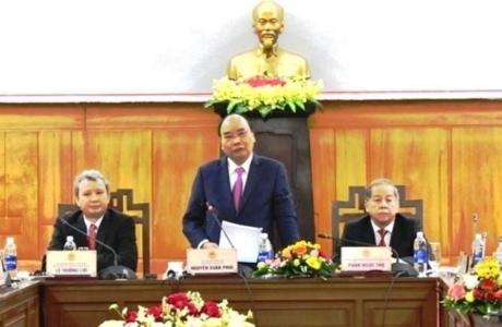 Thủ tướng Nguyễn Xuân Phúc: Không được dùng xe công, quà biếu cấp trên trong dịp tết