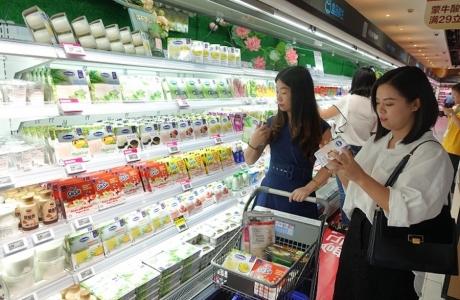 Sữa Việt vào chính ngạch thị trường Trung Quốc: Chiến lược để thích nghi