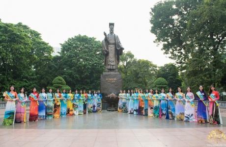 39 thí sinh Hoa khôi Thủ đô 2019 dâng hương tại Tượng đài Lý Thái Tổ