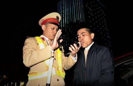 Hà Tĩnh: Đi chúc Tết, một tài xế vi phạm nồng độ cồn bị phạt 35 triệu đồng