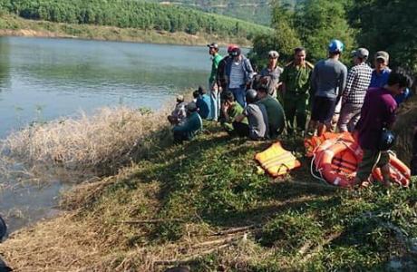 Ba người thương vong trong vụ chìm thuyền ở Thừa Thiên – Huế