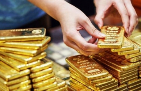 Giá vàng tiếp tục tăng cao do ảnh hưởng của Covid-19