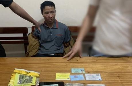CSGT Nghệ An bắt đối tượng vận chuyển ma túy trong đêm