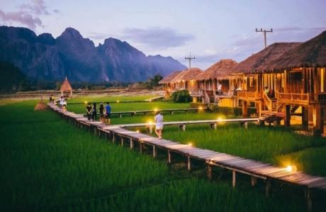"""Trải nghiệm Vieng Tara Villa – """"biệt thự giữa đồng"""" độc lạ tại Lào"""