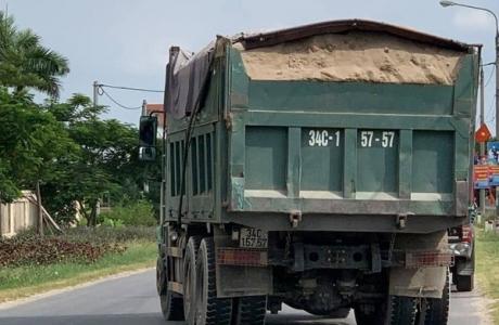 Hải Dương: Thanh tra giao thông bị hành hung khi kiểm tra xe quá tải