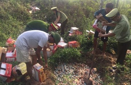 Nghệ An: Tiêu hủy 6.200 bánh trung thu không rõ nguồn gốc xuất xứ