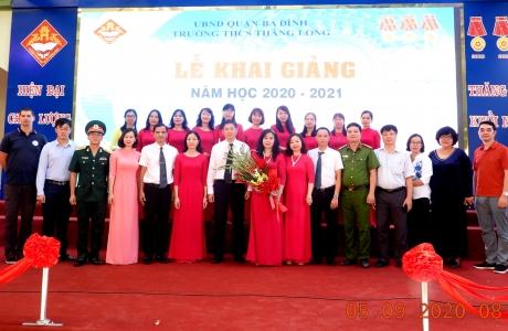 Trường THCS Thăng Long Quận Ba Đình - Hà Nội: Tưng bừng khai giảng năm học mới (2020-2021)