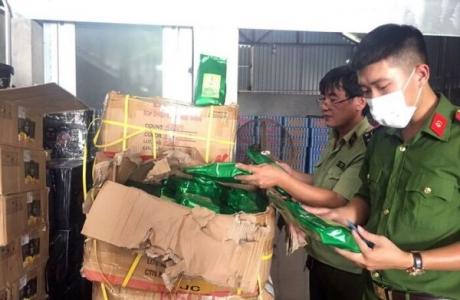 Hà Nội: Phát hiện gần 10 tấn nguyên liệu chế biến trà sữa không rõ nguồn gốc