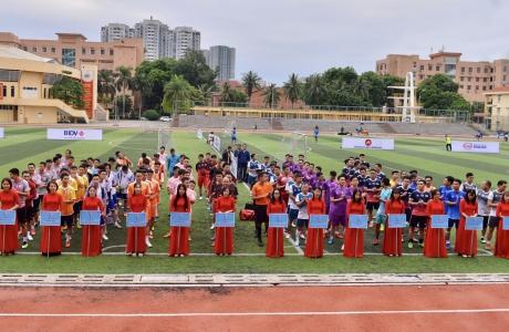 Ấn tượng lễ khai mạc Giải bóng đá 'Kinh tế Môi trường lần I - 2020'