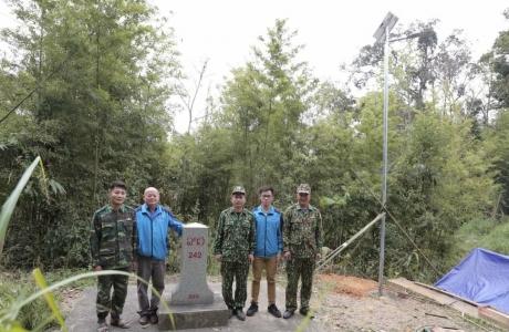 Rạng Đông thắp sáng vùng biên giới Việt - Lào