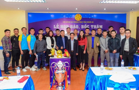 Lễ bốc thăm chia bảng Giải Bóng đá Vô địch sân 7 Bắc Miền Trung - Cup Vinataba năm 2021