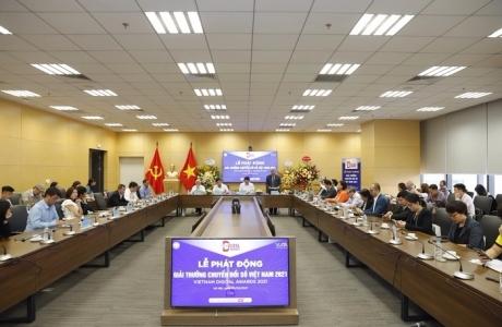 Thứ trưởng Nguyễn Huy Dũng: 'Việt Nam song hành với các nước tiên tiến nhất về chuyển đổi số'