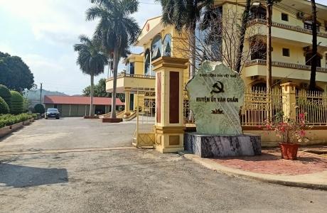 Thi hành kỷ luật Đảng đối với Hiệu trưởng trường Mầm non Sùng Đô, huyện Văn Chấn, tỉnh Yên Bái