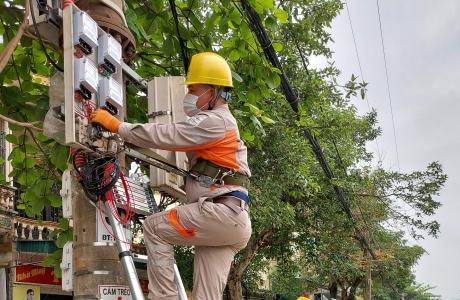 Công ty Điện lực Hà Tĩnh chuyển đổi số trong công tác ghi chỉ số và tính toán tiền điện