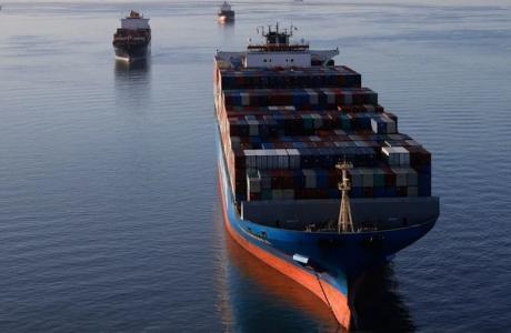 Wall Street Journal: Minh chứng 'lạ' từ sự cố kênh Suez và tác động dài hạn đối với các nhà máy Việt Nam