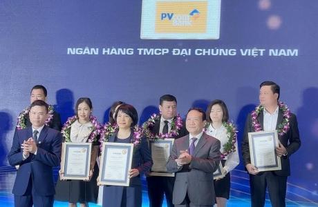 PVcomBank vinh dự trong Top 500 DN tăng trưởng nhanh nhất VN 2021