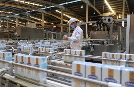 Vinamilk liên tục dẫn đầu ngành sữa nước