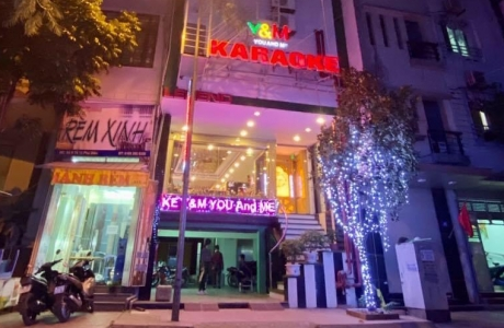 Hà Nội: Quán karaoke Y&M You & Me