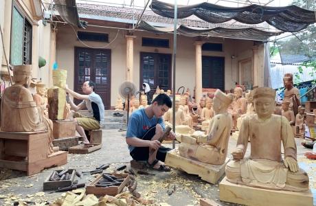 Gìn giữ nghề tạc tượng gỗ truyền thống Sơn Đồng