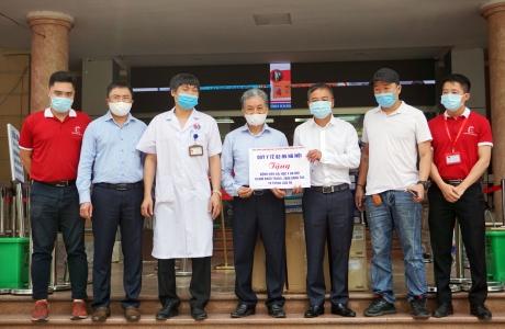 Quỹ Gieo mầm Xanh hạnh phúc tặng 20.000 khẩu trang cho chiến dịch bảo vệ y bác sỹ tuyến đầu