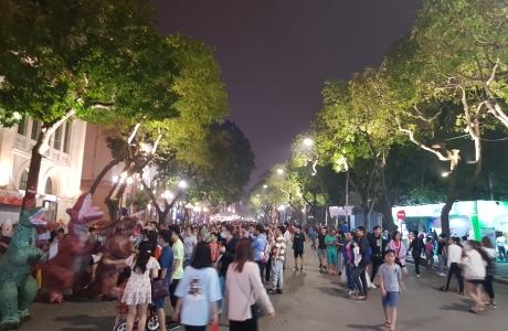 Hà Nội tạm dừng các quán xá vỉa hè và dừng mở cửa di tích từ 17 giờ ngày 3/5