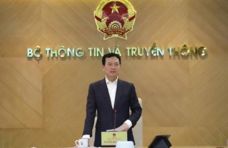 Bộ trưởng Nguyễn Mạnh Hùng: 'Nhiều cá nhân và tổ chức đang bị tổn thương trên không gian mạng'