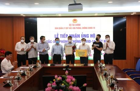 Tập đoàn Sun Group góp 320 tỷ đồng cho Quỹ vắc-xin của Chính phủ
