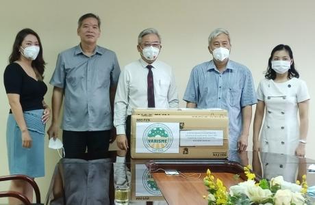 Hiệp hội (VARISME) trao tặng khẩu trang N95 tới Trung tâm Y tế dự phòng Hà Nội