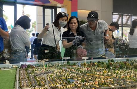 Bức tranh bất động sản trái chiều giữa Hà Nội và Tp.HCM