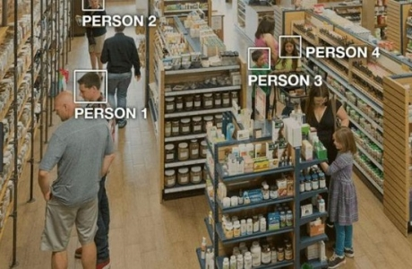 """Cách cửa hàng tiện lợi """"sống chung"""" với đại dịch"""