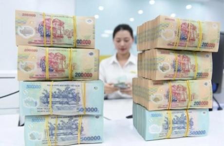 Doanh nghiệp 'dồn dập' gửi tiền vào ngân hàng