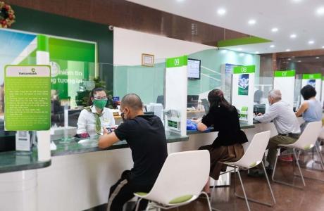 VietcomBank giảm lãi suất hỗ trợ khách hàng bị ảnh hưởng bởi dịch Covid - 19