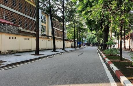 Hà Nội: Ngày đầu thực hiện giãn cách theo Chỉ thị của thành phố