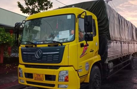 """Gia Lai phát hiện 7 xe tải """"luồng xanh"""" chở người về từ vùng dịch sai qui định"""