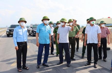 Hà Tĩnh: Chủ tịch UBND tỉnh Võ Trọng Hải kiểm tra các chốt kiểm soát dịch tại Đức Thọ