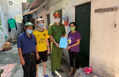 Hà Nội: Sẻ chia khó khăn vì dịch Covid - 19 với người thuê trọ