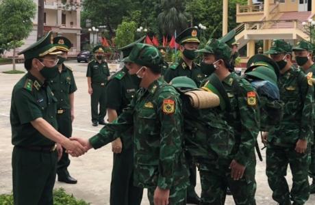Lực lượng quân y, biên phòng xuất quân vào miền Nam chống dịch