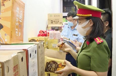 Thanh Hóa: Bắt giữ số lượng khủng hàng hóa không rõ nguồn gốc