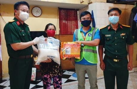 MB trao 90 tấn gạo hỗ trợ nhân dân Thành phố Hồ Chí Minh vượt khó chống dịch
