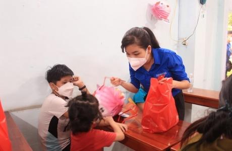 Nestlé Việt Nam tặng quà cho thiếu nhi bị ảnh hưởng bởi đại dịch Covid - 19