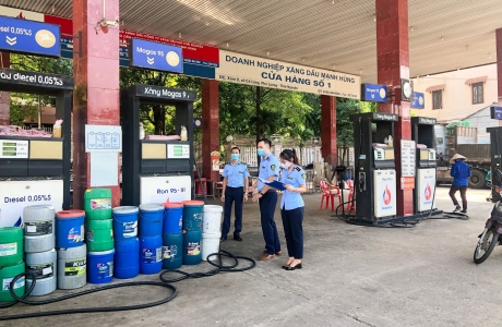 QLTT Thái Nguyên: Xử phạt trong lĩnh vực xăng dầu, thu nộp ngân sách hơn 700 triệu đồng