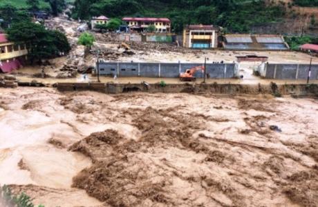 Tin áp thấp nhiệt đới khẩn cấp: Cảnh báo mưa lớn, lũ quét, sạt lở đất, ngập úng cục bộ