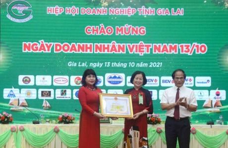 Gia Lai: Bà Nguyễn Thị Sen tái đắc cử Chủ tịch Hiệp hội Doanh nghiệp tỉnh
