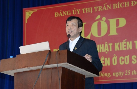 Việt Yên - Bắc Giang:Tổ chức lớp bồi dưỡng cập nhật kiến thức mới cho cán bộ, đảng viên cơ sở