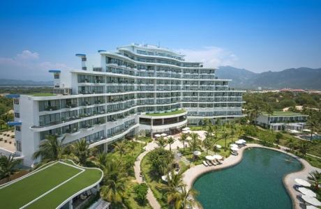 Khu nghỉ dưỡng 5 sao đầu tiên của Khánh Hoà đủ điều kiện mở cửa trở lại