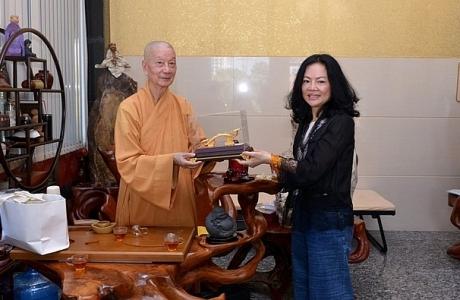 Phu nhân tỷ phú Hồ Hùng Anh vươn lên top 3 người giàu nhất sàn chứng khoán