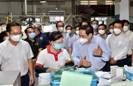 Đến lúc cần khôi phục thị trường lao động
