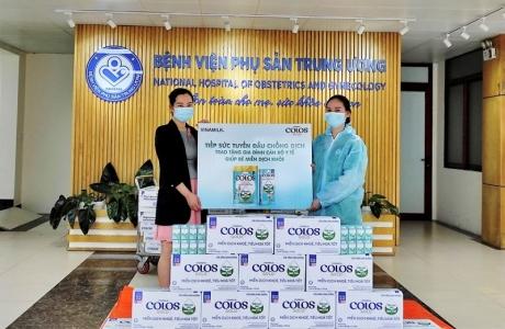 Vinamilk tặng 50.000 sản phẩm dinh dưỡng ColosGold cho con em cán bộ y tế tuyến đầu