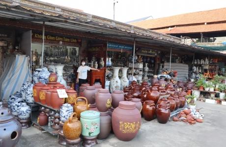 Chợ gốm đìu hiu, làng gốm làm gì để vượt bão hồi sinh sau đại dịch